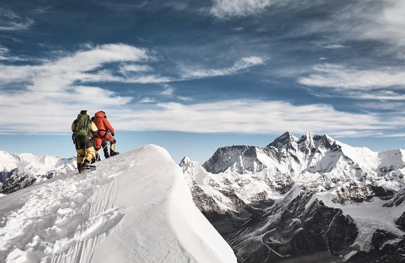 Подъем на Эверест станет дороже и сложнее: новые правила