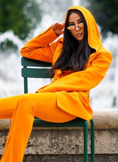 Серый, бурый, малиновый: с каким цветом сочетается оранжевый
