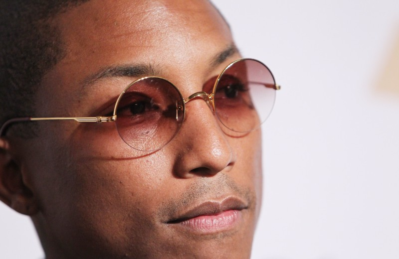 «У мейкапа — огромный потенциал»: что знаменитые мужчины говорят о макияже и предрассудках сегодня