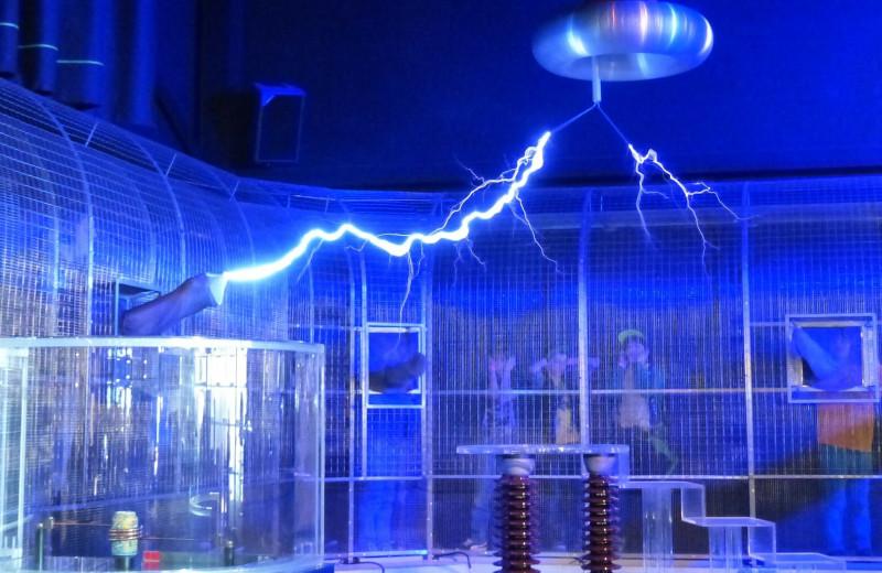 Клетки Фарадея: как бизнес использует технологию защиты от электромагнитных излучений