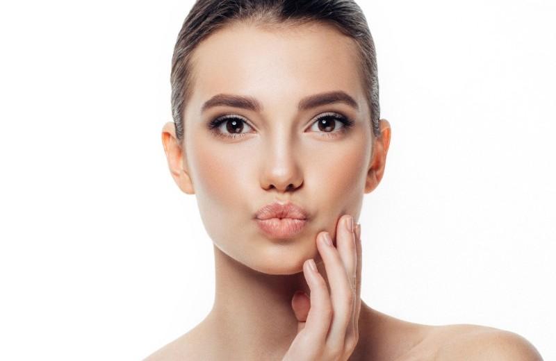 Как убрать брыли на лице и сохранить овал без уколов и подтяжки