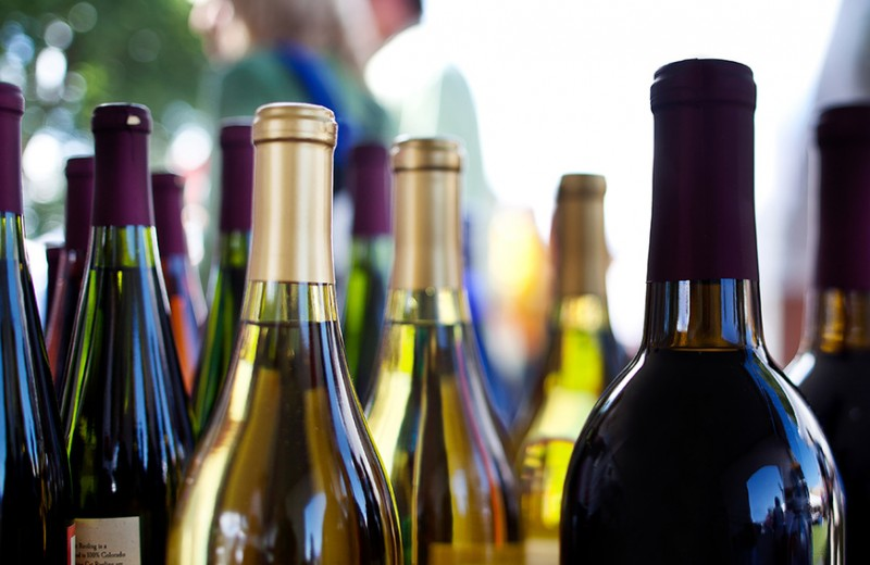 Сухой карантин: почему ограничения продажи алкоголя не помогут в борьбе с пандемией