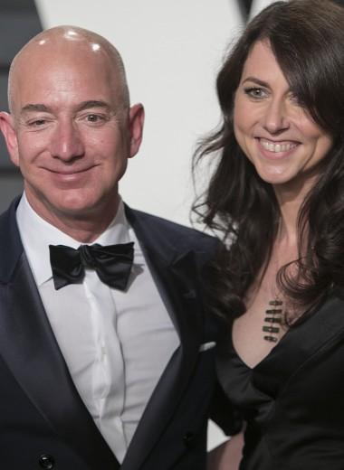 Безос официально развелся с женой и отдал ей 4% Amazon