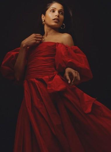 Кто такая Фрида Пинто и как она ломает стереотипы об индийских актрисах