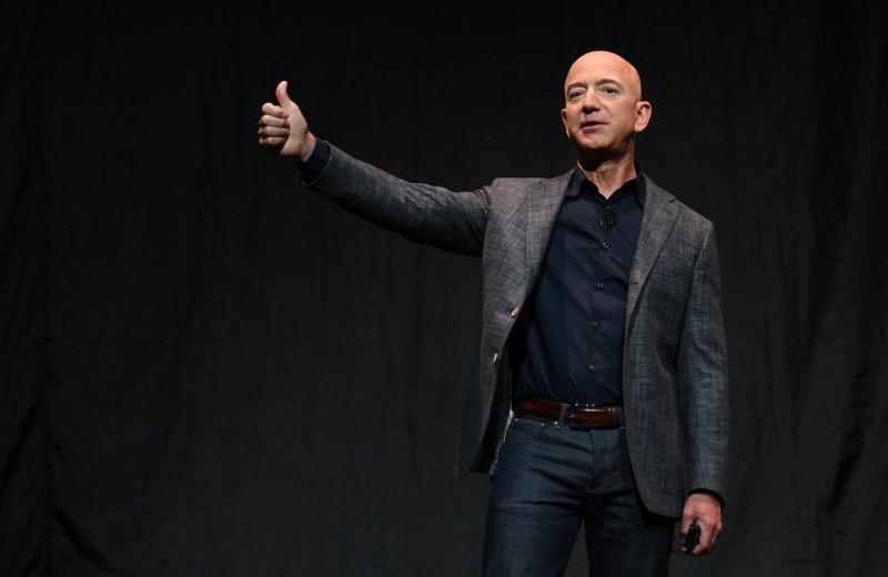 «Мир хочет, чтобы вы были обычными»: Безосв последний раз обратился к акционерам во главе Amazon