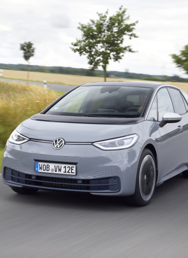 И восхитительный хэтчбек! Новый Volkswagen ID3 пробует себя в роли Прометея