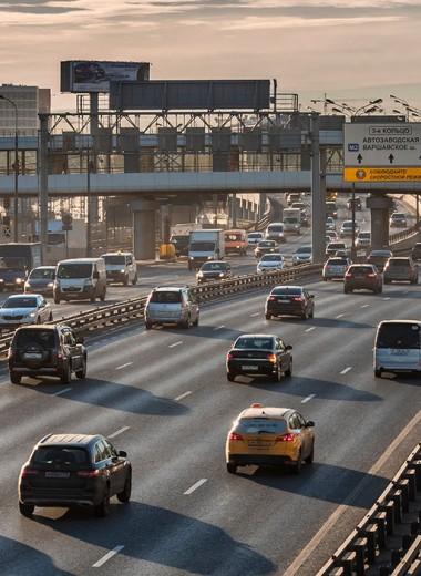 В России стало меньше машин, пробок и аварий. Что дальше?