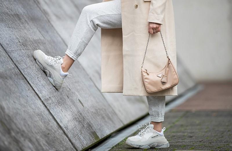 Как нельзя носить кроссовки: популярные ошибки, которые испортят твой образ