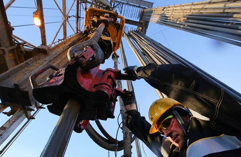 «Не дотянули»: аналитики предупредили о риске падения цен на нефть даже после сделки России и ОПЕК