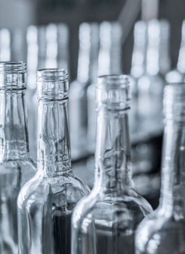 Стеклянные бутылки оказались вреднее для окружающей среды, чем пластиковые