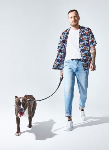 Мужчина и его собака: дизайнер бренда «Союз» Максим Иванов и его стаффордширский терьер Джесси