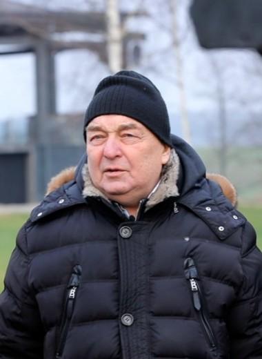 «Я впал в кому на две недели, но бизнесменские принципы остались»: создатель сырков «Б.Ю. Александров» о Путине, тюрьме и победе над раком