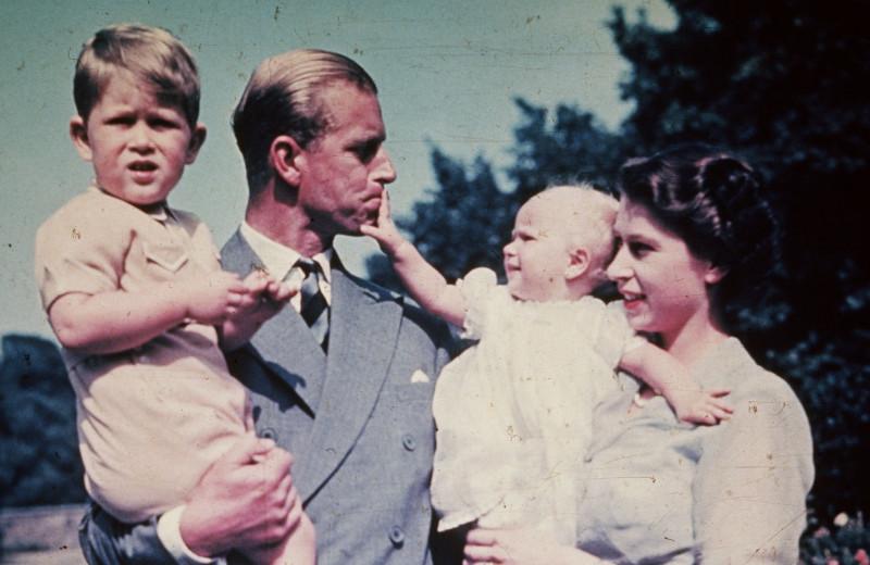 Лишения с рождения: что запрещено есть королевским детям