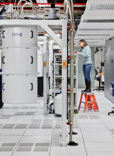 Двое в голубом океане. Как квантовый компьютер и искусственный интеллект помогут друг другу