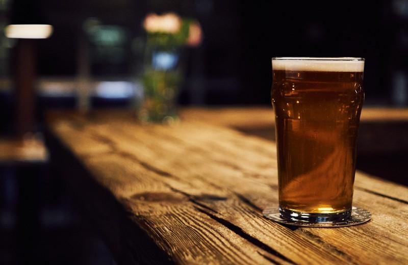 Алкоголизм предложили лечить небольшими дозами наркотика
