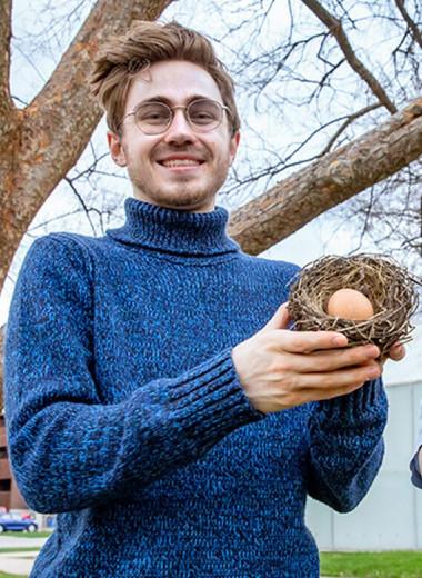 Зачем орнитологи разбивают птичьи яйца?