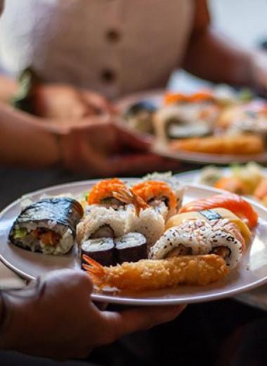«Обрусевшие» роллы. Как россияне полюбили японскую кухню