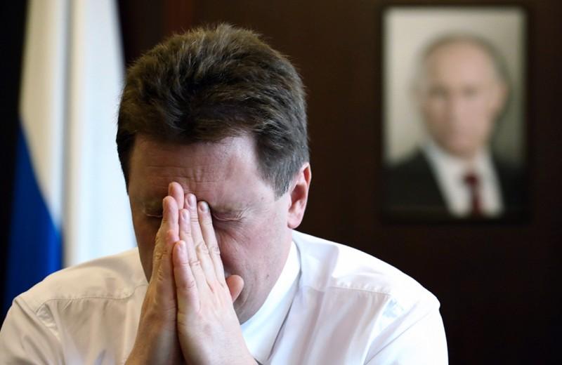 Глава Севастополя сдался народному фронту