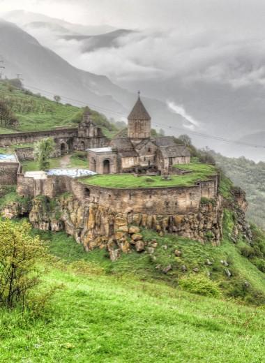 Армения в кадре: древние монастыри в объятиях гор