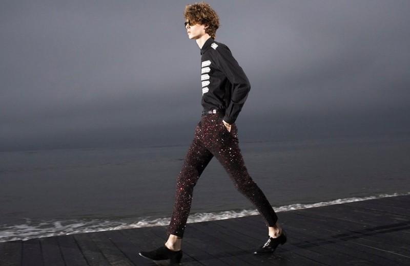 Больше сексуальности и блеска: как модный дом Saint Laurent впервые получил доход в €2 млрд