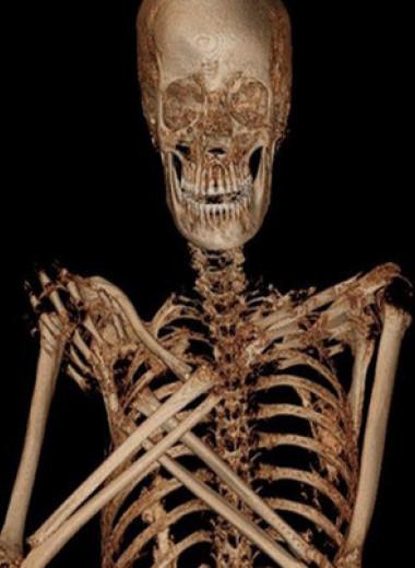 Польские археологи обнаружили первую египетскую мумию беременной женщины