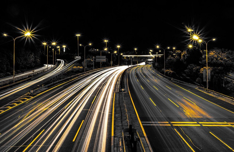 """""""Заправимся"""" от дороги: беспроводная зарядка электромобилей будущего"""