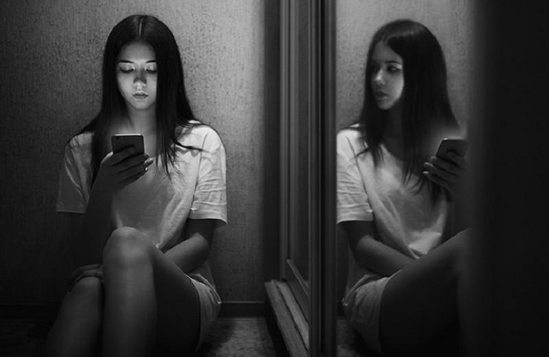«Злой двойник»: 5 реальных историй людей, которые встретили своего близнеца