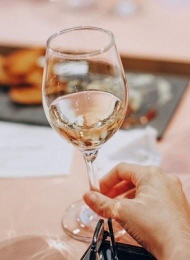 Правда ли, что выпивать пару бокалов вина в день полезно?