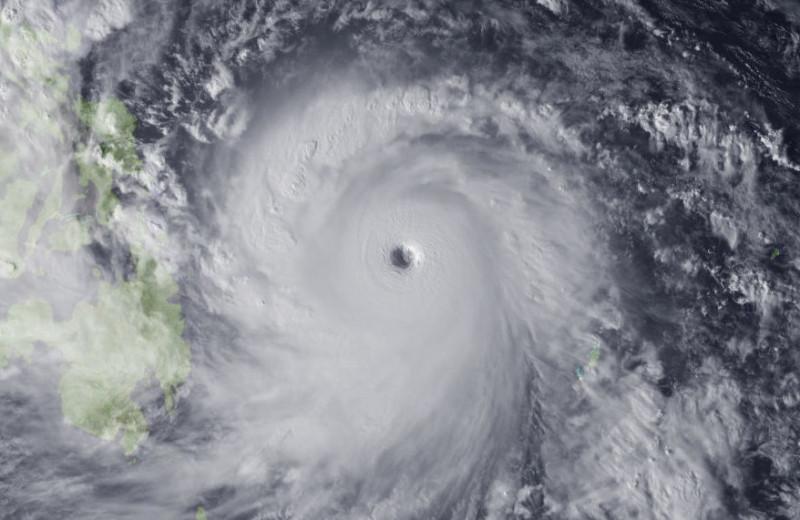 Глаз бури: 7 удивительных фактов о тропических циклонах