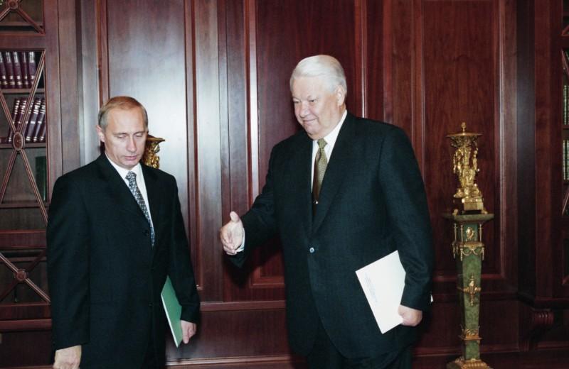 Просвещенный абсолютизм XXI века: как изменились страна и власть за 20 лет при Путине