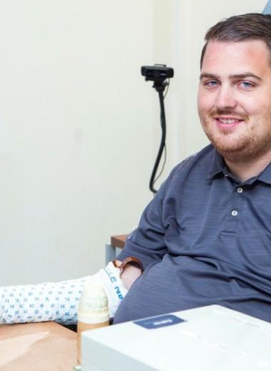 Мозговой имплант вернул парализованному человеку осязание