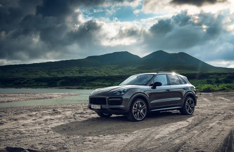 Тест-драйв нового Porsche Cayenne Coupe на Камчатке