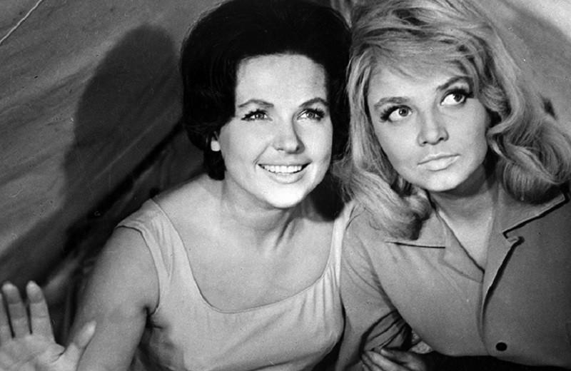 Украла роль, увела мужа, избила и прокляла: как враждовали советские актрисы