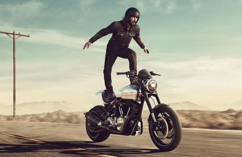 «Потому, что мы все умрем»: микросага о любви Киану Ривза к мотоциклам