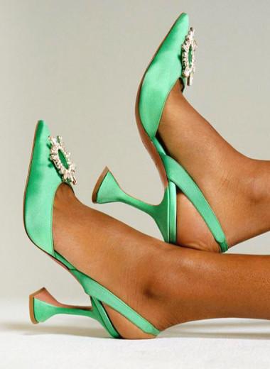 Кто делает туфли с каблуком-бокалом для Рианны, Лиззо и королевы Рании
