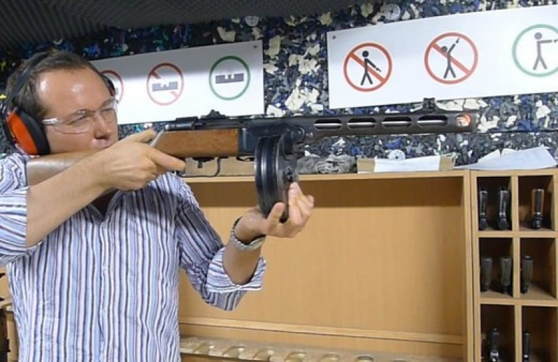Каково это — стрелять из ППШ, маузера, нагана, винтовки Мосина и еще девяти видов огнестрельного оружия