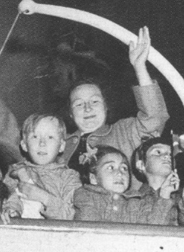 Однажды Дания поставила эксперимент над детьми из Гренландии, лишив их языка и семей. Спустя 70 лет пришлось извиняться