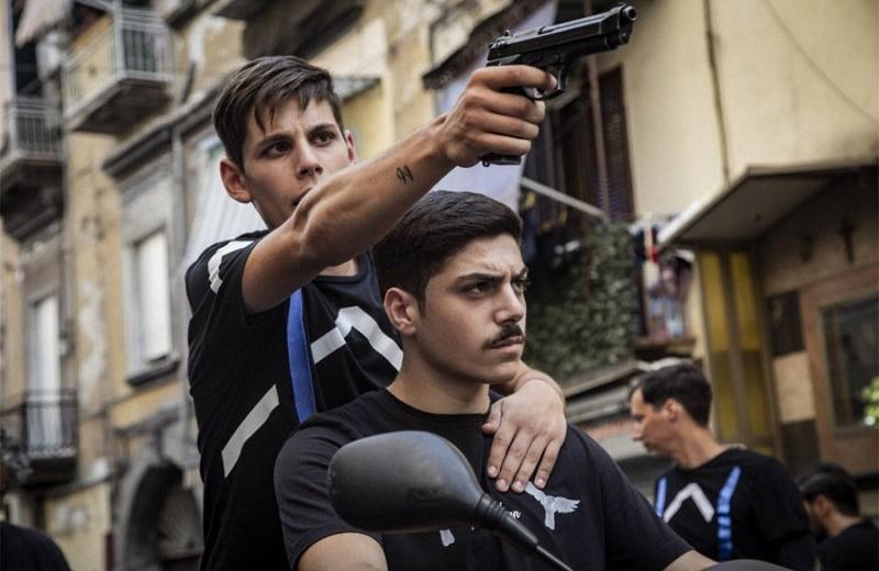 «Пираньи Неаполя» – современное кино о безумной жизни подростков в Италии