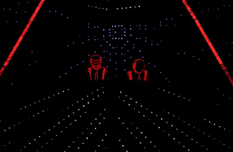 Прощайте, роботы: за что мы любим Daft Punk