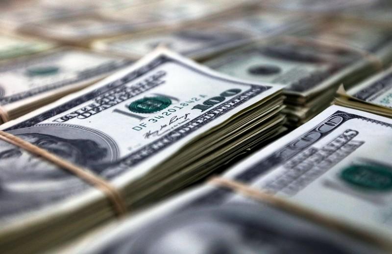 Подушка-невидимка: зачем Банку России 390 тонн наличной валюты