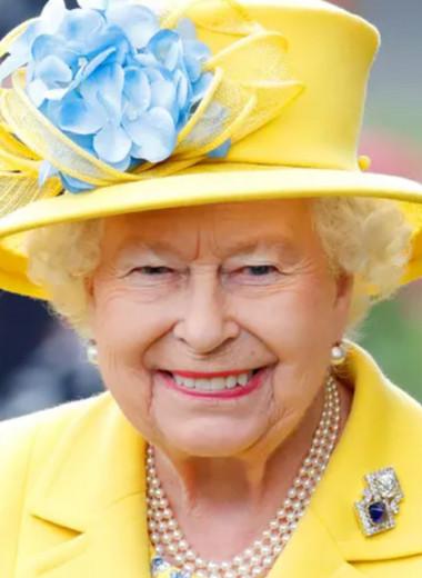 Ешь шоколад, пей джин, игнорируй критику: секреты долголетия Елизаветы II