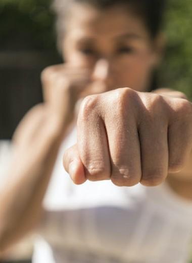 Как научиться защищать себя, если вы привыкли молча страдать?