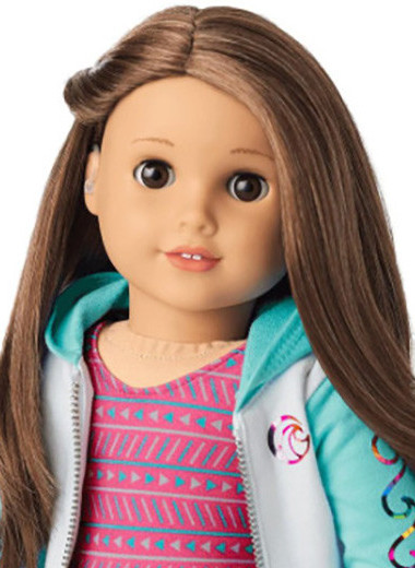 Куклы в инвалидной коляске и со слуховым аппаратом: игрушки с особенностями