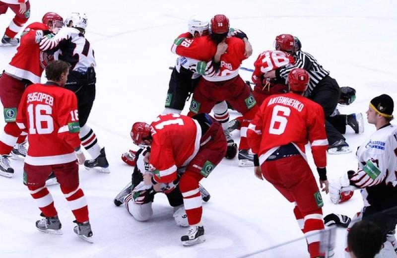 5 самых массовых драк в истории хоккея (видео прилагаются)