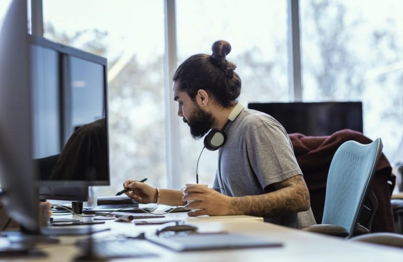 9 языков программирования, которые помогут зарабатывать до $150 тыс. в год