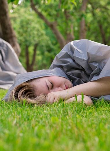 Девушка в саркофаге: как я живу с клаустрофобией и агорафобией