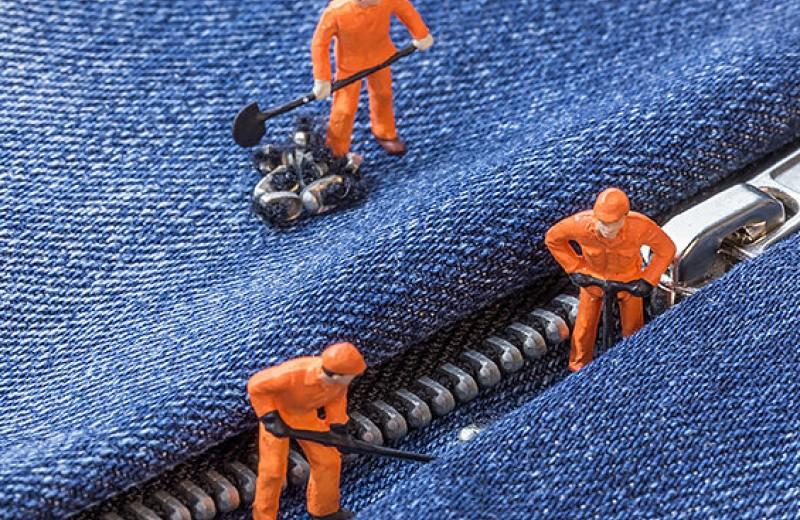 Как починить молнию на одежде своими руками