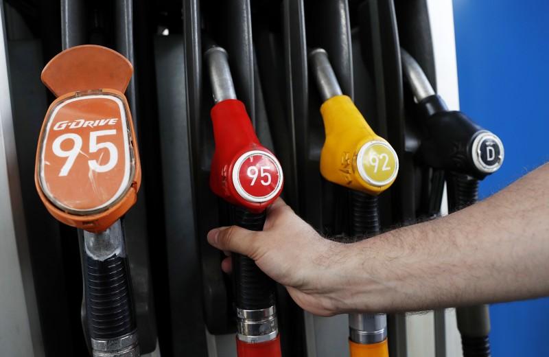 Росстат зафиксировал рост цен на бензин в мае на 17,5%