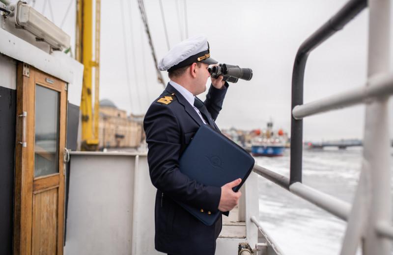 Капитанская папка: как моряк из Петербурга превратил хобби в бизнес на 150 млн рублей