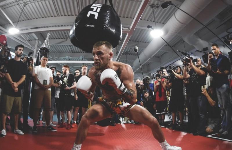 Удар на потоке: как работает центр подготовки бойцов MMA